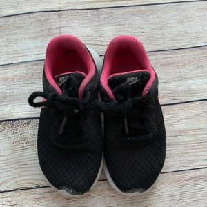 Nike play shoes